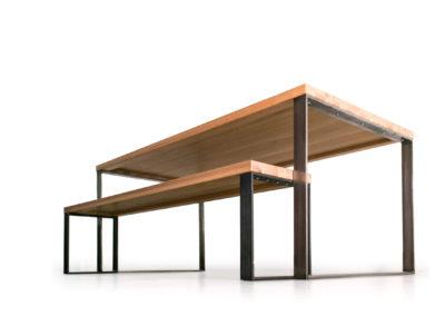 Tisch und Sitzbank im Industriedesign